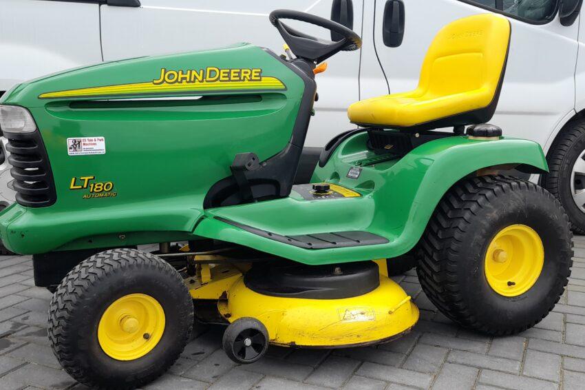 John-Deere LT180 zitmaaier